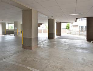駐車場 ホテル1F