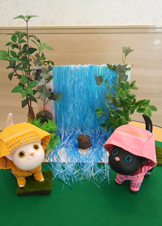 ネコさん広場と滝